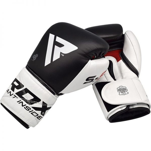 boxerske rukavice rdx z predu a zo zadu